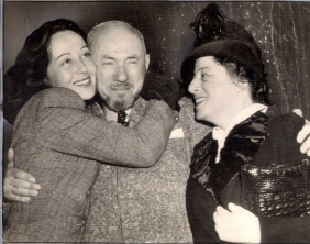 Luise with father and mother, 1940
