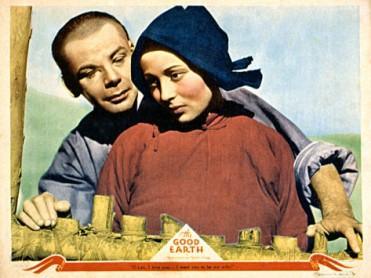 Paul Muni and Luise Rainer in The Good Earth (1937).