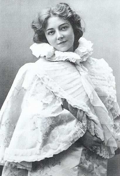 Anna Held, whom Luise plays a version of in the film.